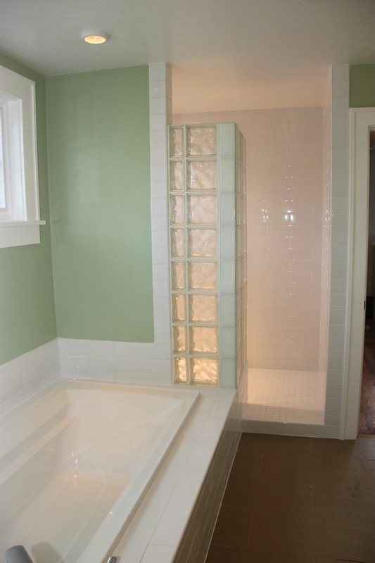 Glass Bock walk-in shower